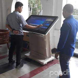 kiosk htouch touch screen eijkman